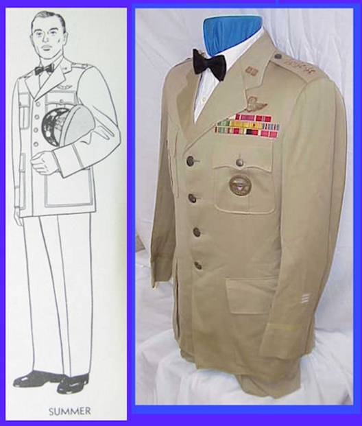 http://usafflagranks.com/usaf_mess_dress_uniform_files/image005.jpg